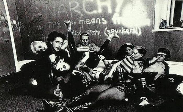 Siouxsie et ses camarades du Bromley Contingent