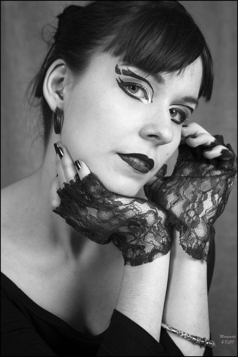 portrait noir et blanc mitaines par dom combarnous